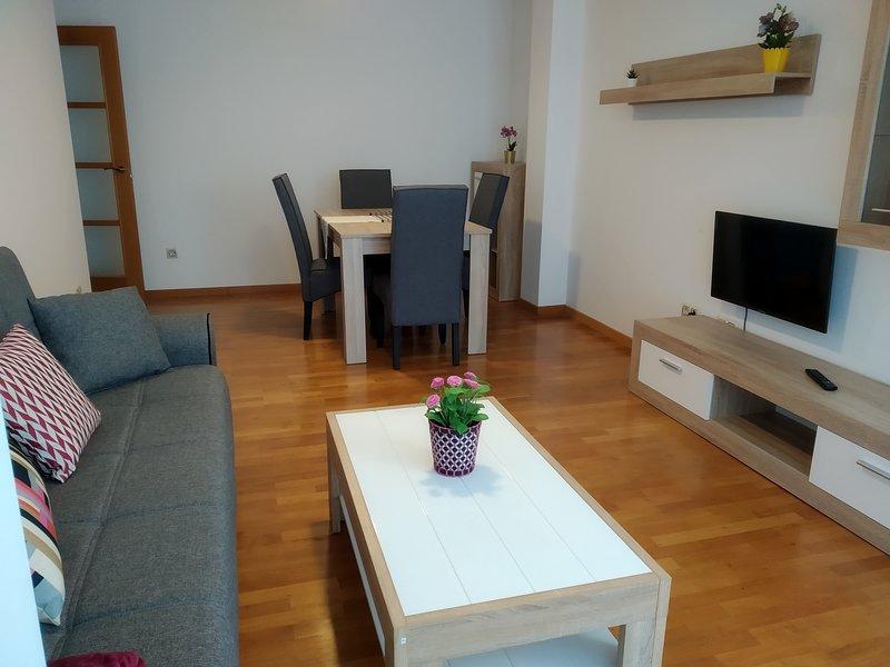 Un comodo y amplio apartamento con vistas  en Muxia 2F, vacation rental in Nemina