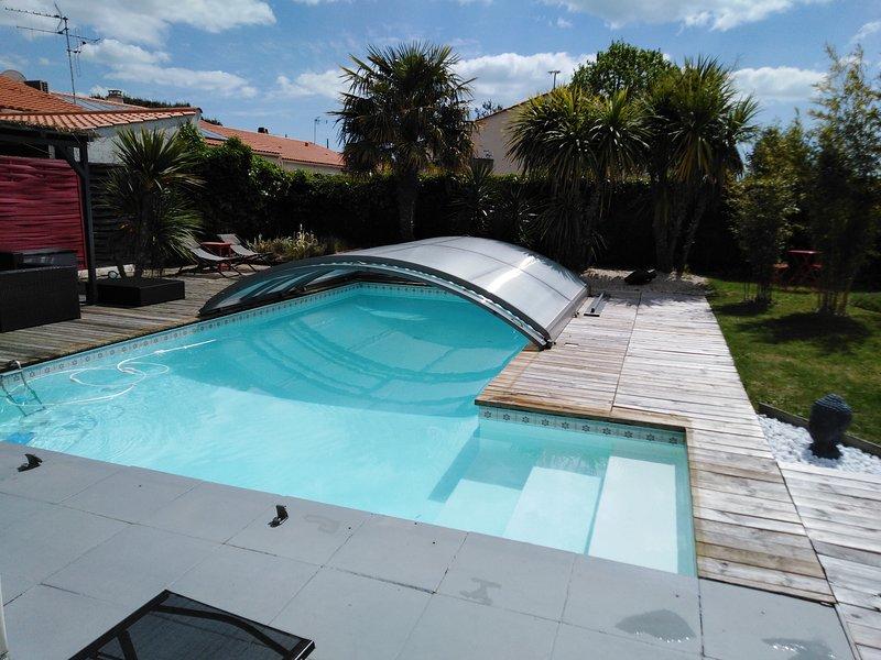 superbe villa 140m2 avec piscine 900 m de la mer, alquiler vacacional en Château-d'Olonne