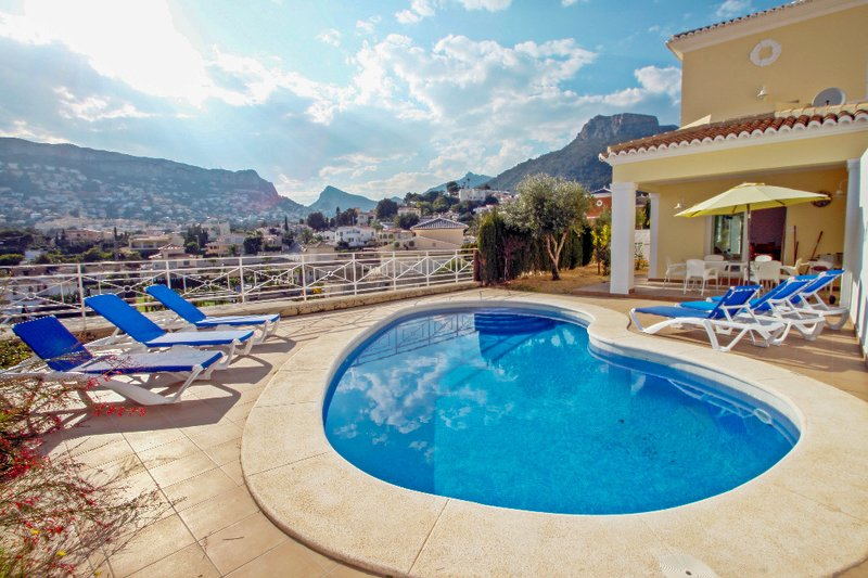 Canuta Mar 14- two story holiday home villa in Calpe, holiday rental in Calpe