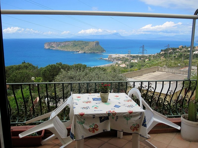 Beautiful apartment with sea view, vacation rental in San Nicola Arcella