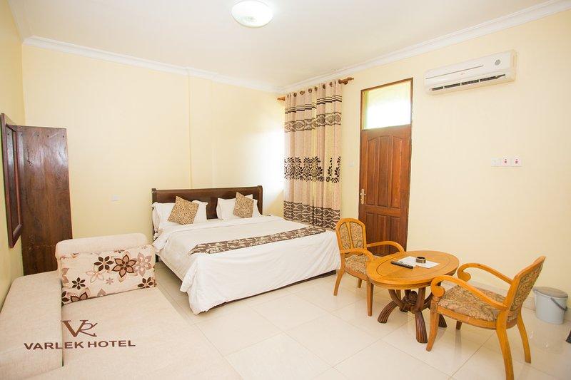 VARLEK HOTEL-Executive Room, casa vacanza a Dar es Salaam