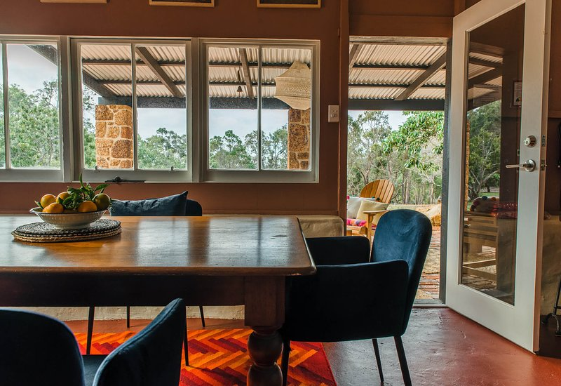 Standing Stone House, holiday rental in Yallingup
