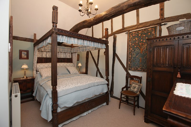 The Old Bakery Cottage, holiday rental in Hadleigh