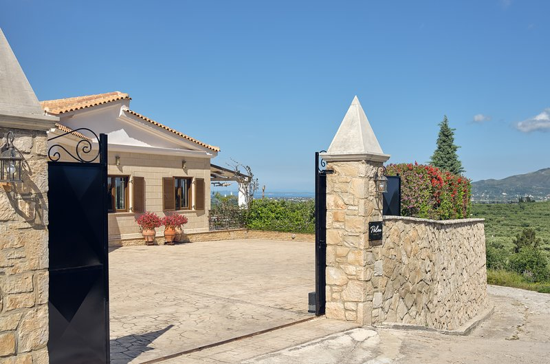 the Palm Luxury Villa.