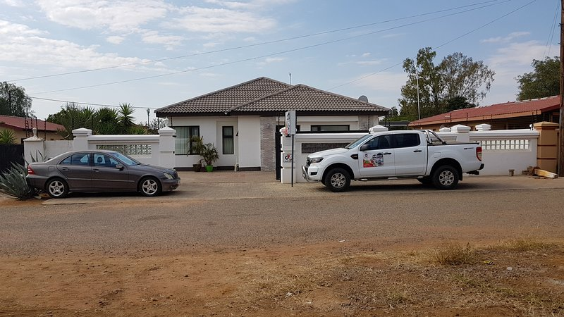 Arianna Guest House, holiday rental in Botswana