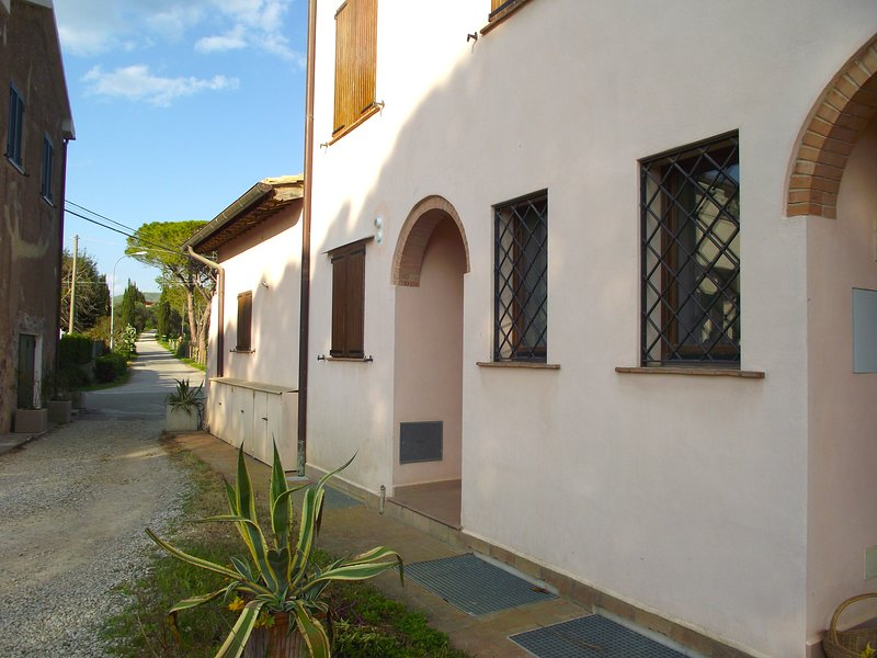 Capalbio-Retreat N.2: charming apartment x 6 near sea, Ferienwohnung in La Campigliola