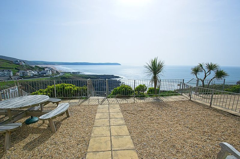 Cliff House - One of the most oustanding locations in Woolacombe, holiday rental in Mortehoe