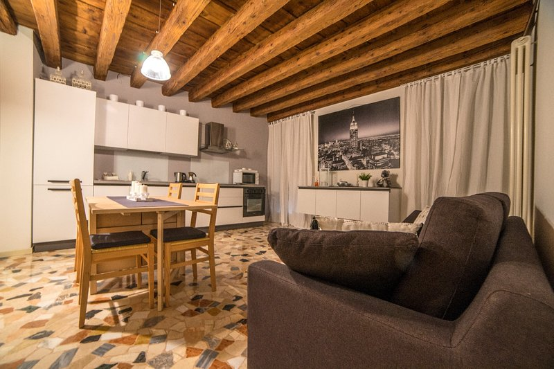 LOVELY APARTMENT IN VICENZA, location de vacances à Malo
