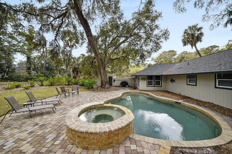 13 Sandpiper Street - Pet Friendly and Free Pool Heat Until May, vacation rental in Hilton Head