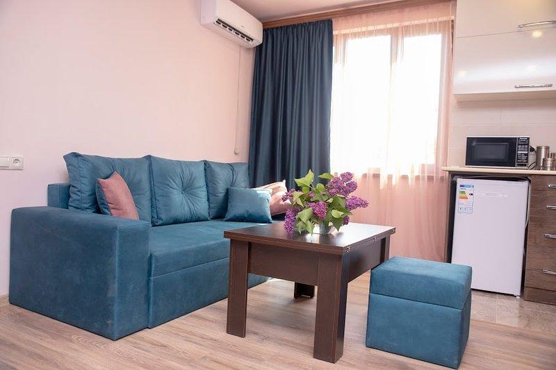 Cozy Home in the city centre next to Cascade, casa vacanza a Kasakh