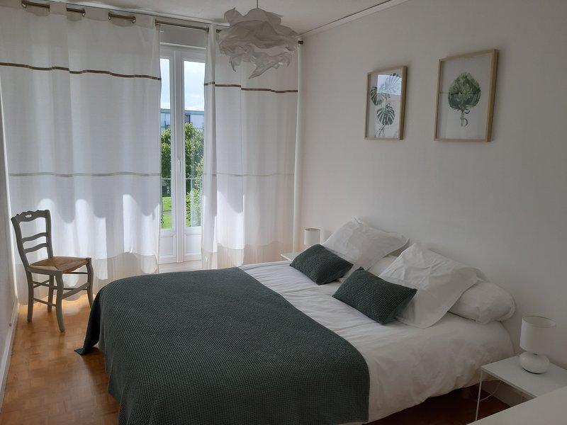 Grand Appartement Classé 3*, bien situé (loisirs, sport, musées, commerces), location de vacances à Caen