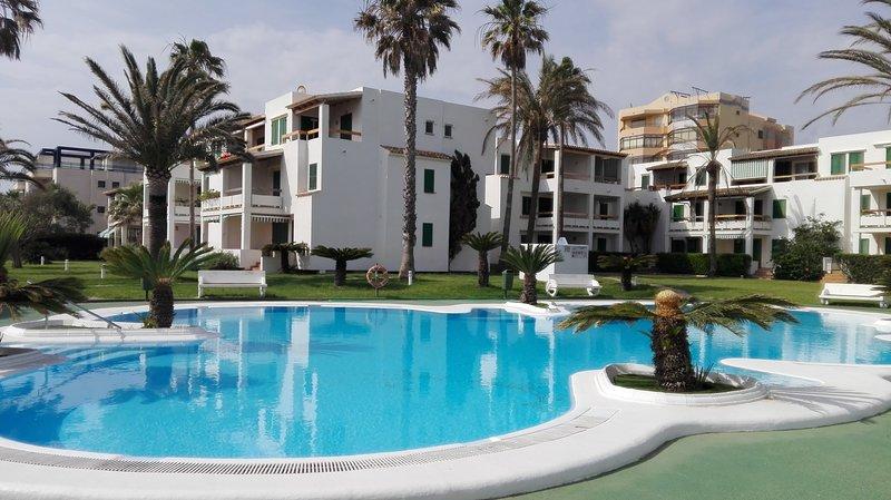 Xeraco playa,apartamento en primera línea de playa,, urb DELTAMAR, vacation rental in Xeraco