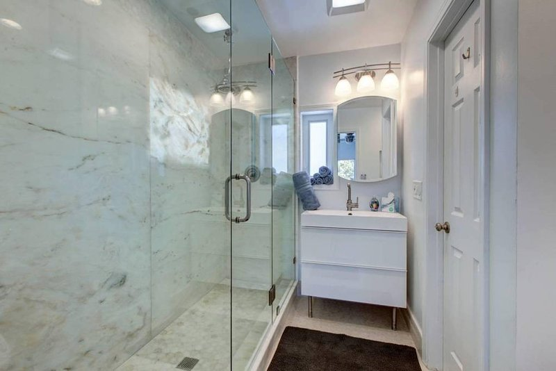 Large glass shower that fits 2 people