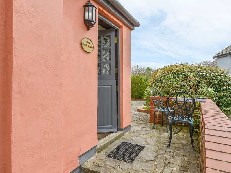 TACK ROOM cottage on one level, countryside, on Hartland Peninsula, Ref xxxxx, vacation rental in Hartland