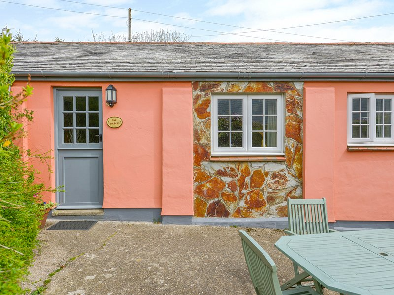 THE STABLES cottage on one level, countryside, on Hartland Peninsula, Ref xxxxx, vacation rental in Hartland