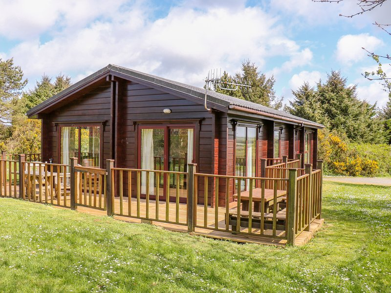 LODGE 88, off road parking, pet-friendly, leisure facilities, open plan, nr – semesterbostad i Bucks Cross