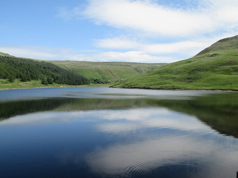 Dovestone reservoir is a few minutes from the cottage and a wonderful place to talk a gentle stroll
