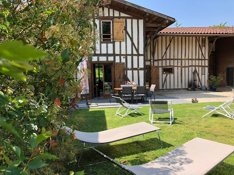 Maison de Charme au Lac du Der - Grand Jardin, Parking privé, Vélos à disp, holiday rental in Droyes