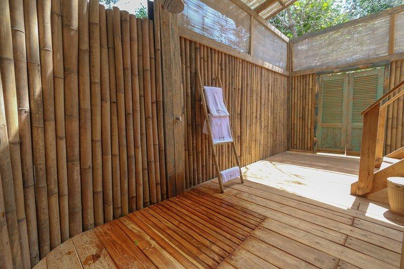 Garden Bungalow, holiday rental in Gili Meno