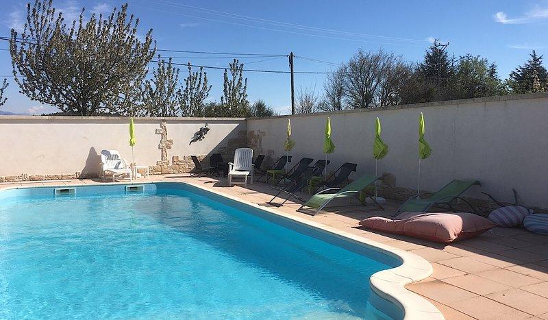 Le Clos des Gites, 4 logements pour des vacances en famille ou entre amis, vakantiewoning in Les Mees