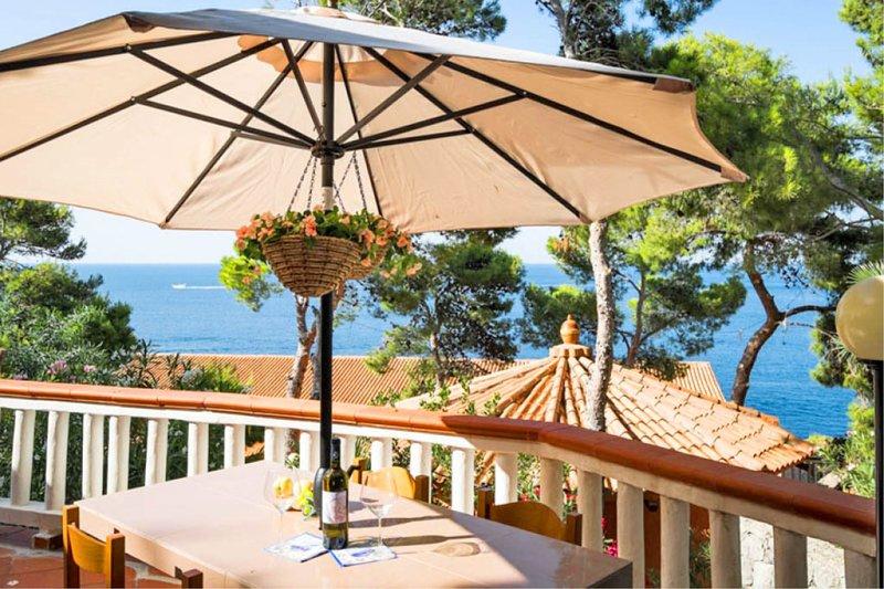Solemar Sicilia - Mer et Soleil - Bungalow  Stromboli, holiday rental in Ficarazzi