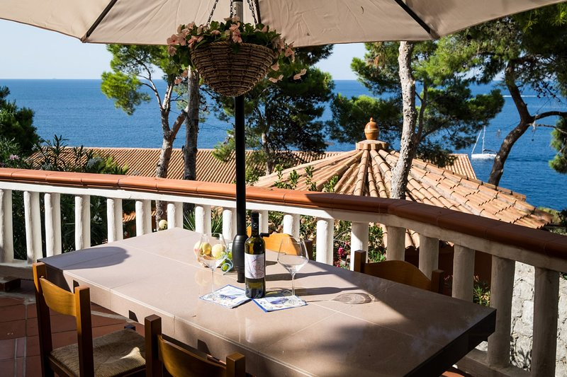 Residence Mer et Soleil - Bungalow Salina, holiday rental in Ficarazzi