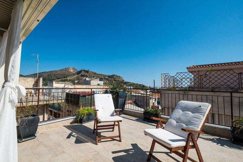 Casa Chloé - Casa Azzurra, holiday rental in Solanto