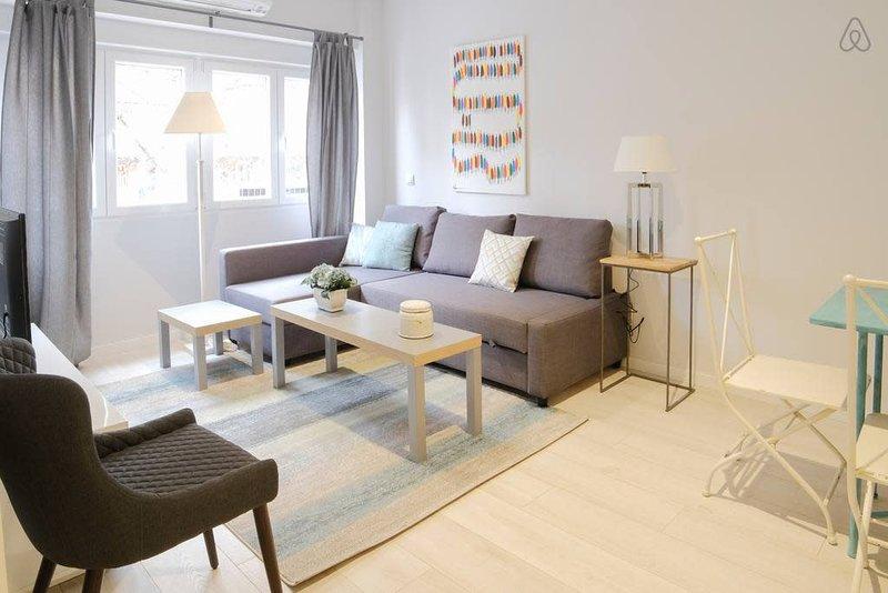 Luxury Apartment/Study Cuatro Caminos, alquiler de vacaciones en Madrid