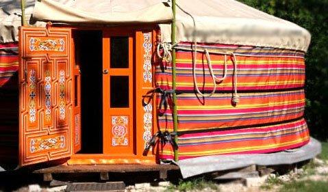 Les yourtes de Bascot. chambres d'hôtes. insolite., holiday rental in Puylaroque