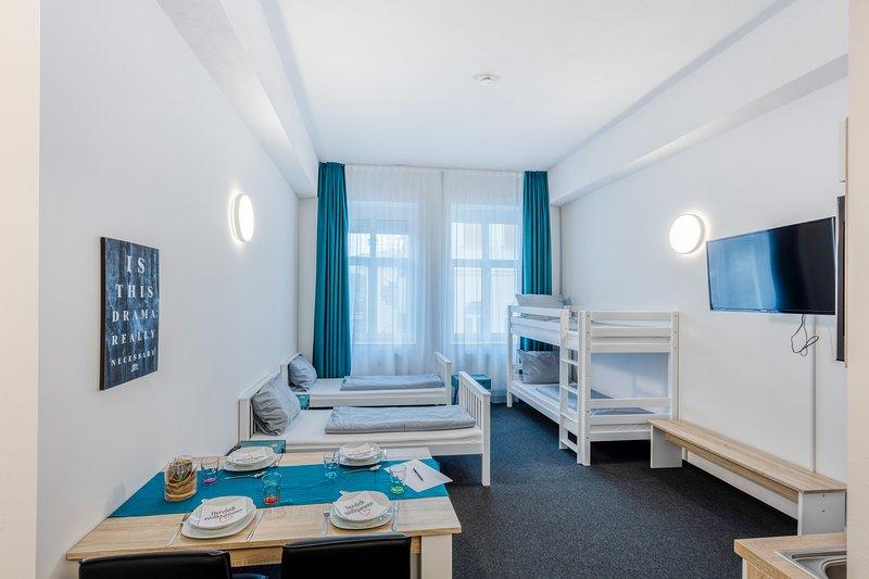 centerroom Landshut City Apartment mit Küche - für 4 Personen, holiday rental in Landshut