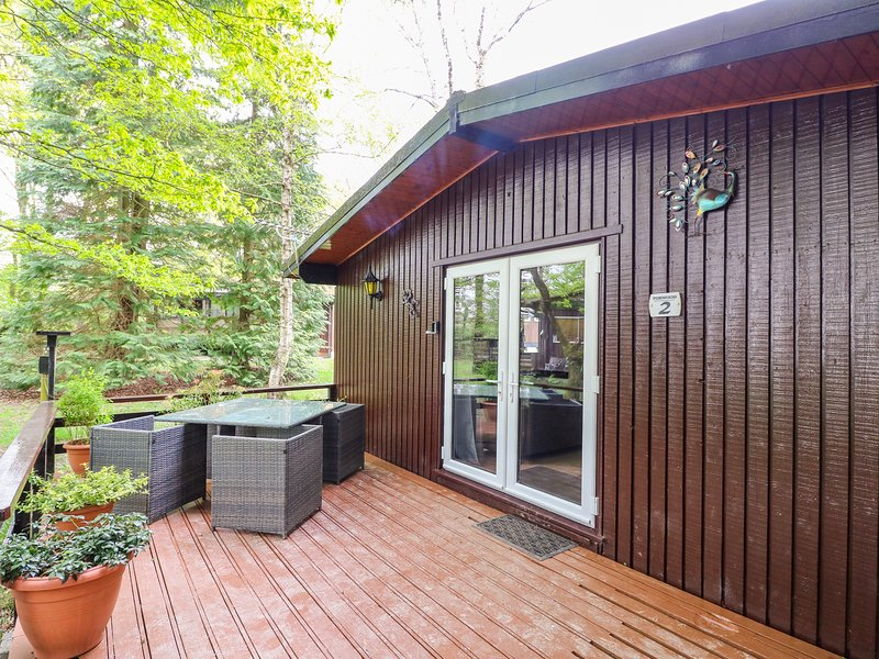 TORWOOD 2, pet-friendly, swimming pool, in Cenarth, vacation rental in Llechryd