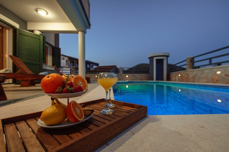Villa Mia ~ villa with private pool & sea view, vacation rental in Marina