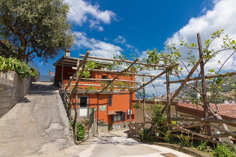 Casale Ceppone | With panoramic terrace, vacation rental in Vico Equense