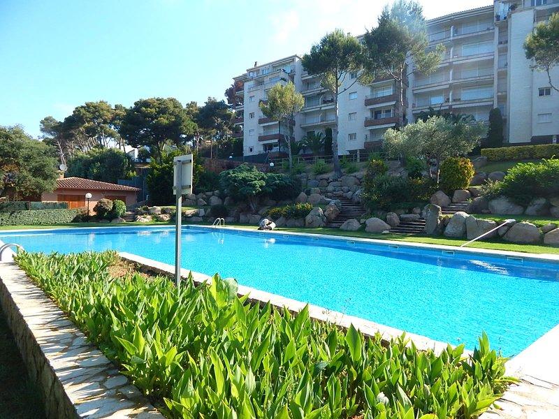 8158 Tamariu, Apartamento con jardín y piscina comunitaria  a 700 m de la playa, aluguéis de temporada em Tamariu