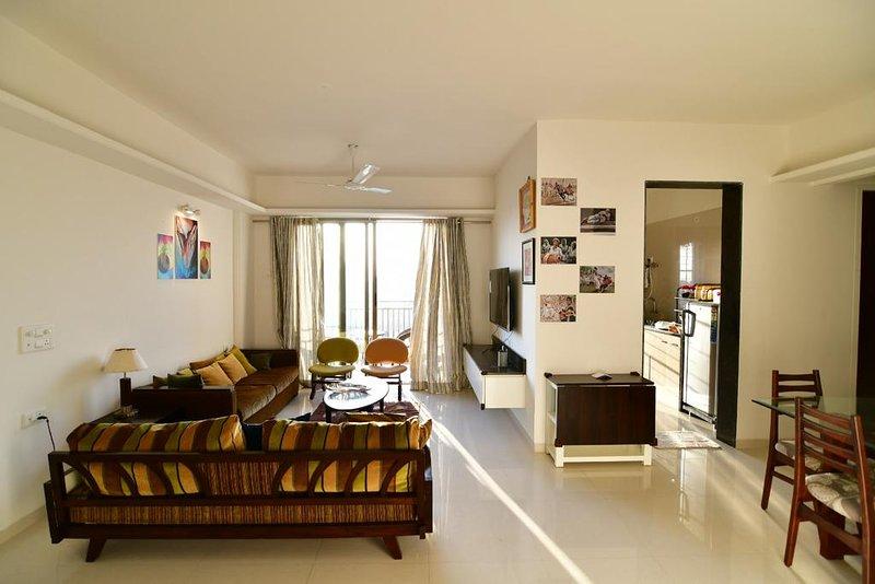Nashik Spacious 3bhk Great Location, vacation rental in Nashik