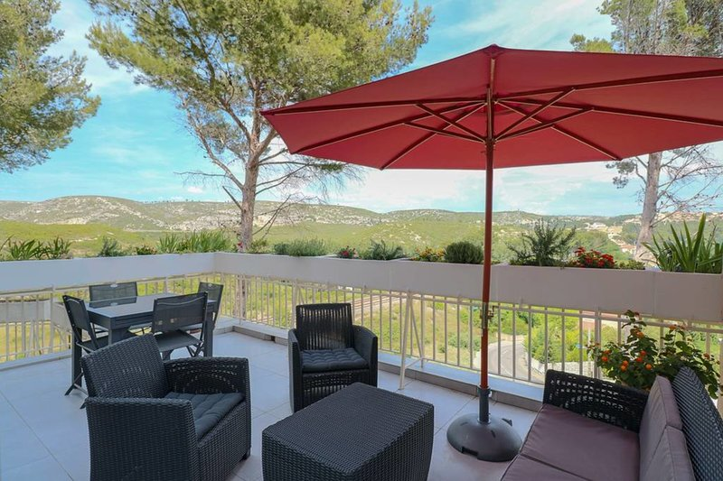 Haven of peace in Carry, near sea and creeks, vacation rental in Chateauneuf-les-Martigues