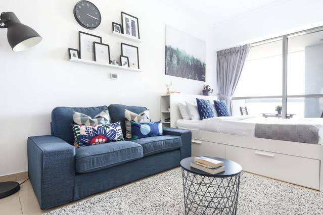 Chic and Comfy Studio in the Heart of JLT!, holiday rental in Jebel Ali