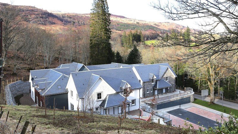 Capercaillie, a luxurious 2 bedroom house in Killin, location de vacances à Loch Tay