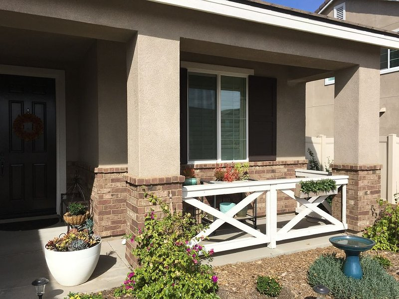 Home Away From Home Coastal Sage Murrieta!, vacation rental in Lake Elsinore