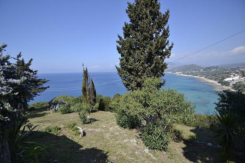 Belvedere Villa Sleeps 2 - 5791538, holiday rental in Centola