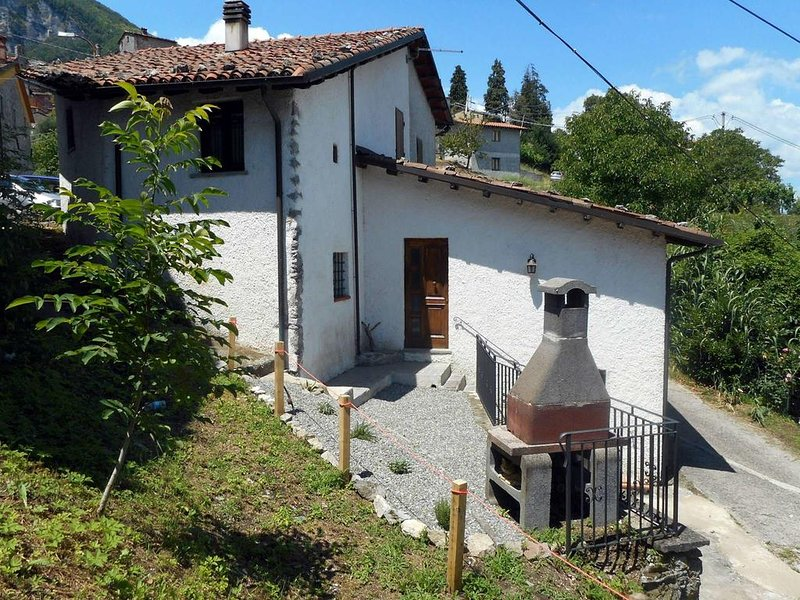 Vacation Rental at Cardoso Holiday House in Lucca, vacation rental in Cardoso