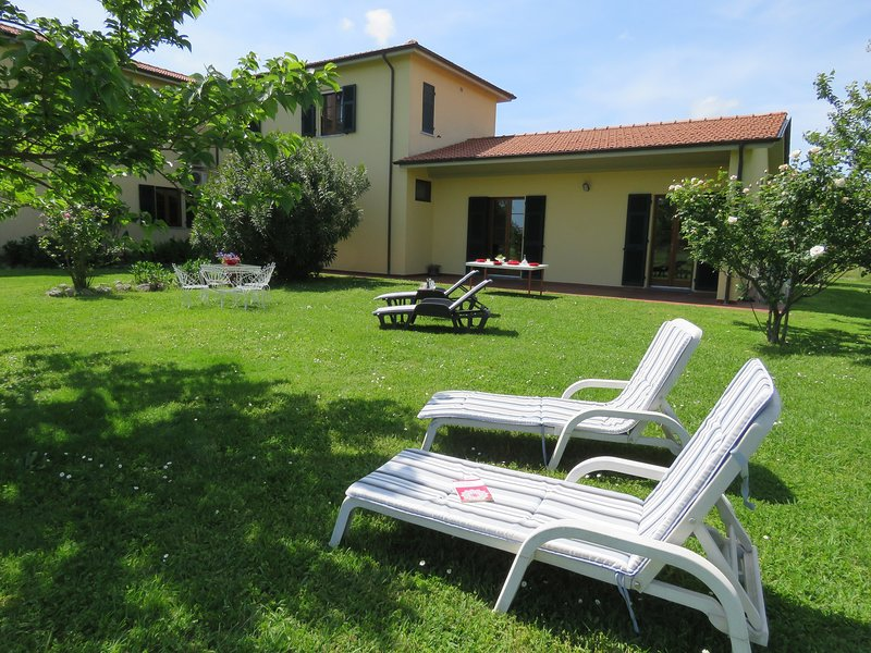 Oasi di pace Cà del Sale Agriturismo, vacation rental in Marinella di Sarzana