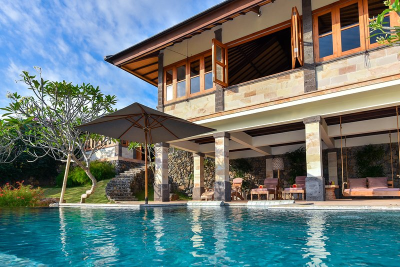 Villa Gajah, Sumberkima Hill, vacation rental in Goris