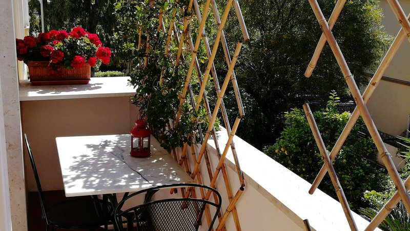 Charming Apartment in Villa, aluguéis de temporada em Trivio