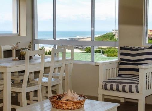 'On Point' Spacious Beach House, Jeffreys Bay., vacation rental in Hankey