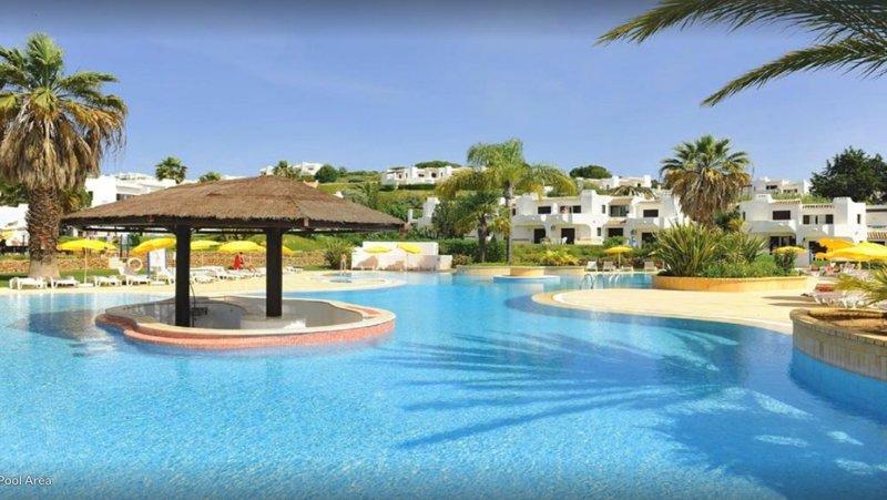 4 fantastiche piscine in questo resort