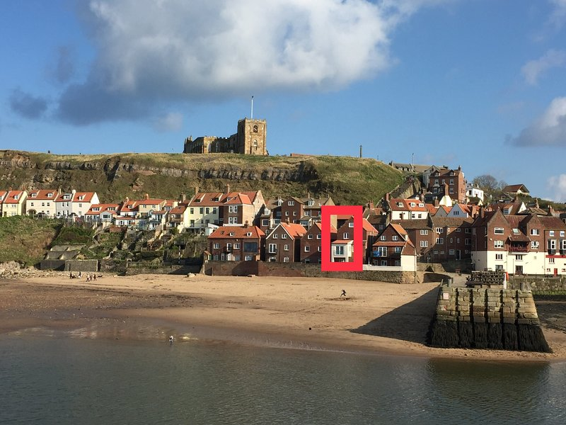 Beachside Holiday Cottage In Whitby Harbour Sea Views With Glass