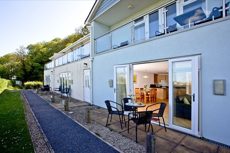 2 Red Rock Apartments - A ground floor apartment close to the beach and the pret, holiday rental in Cockwood