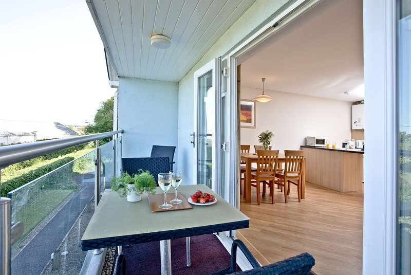 12 Red Rock Apartments - A spacious first floor apartment in one of South Devons, holiday rental in Cockwood