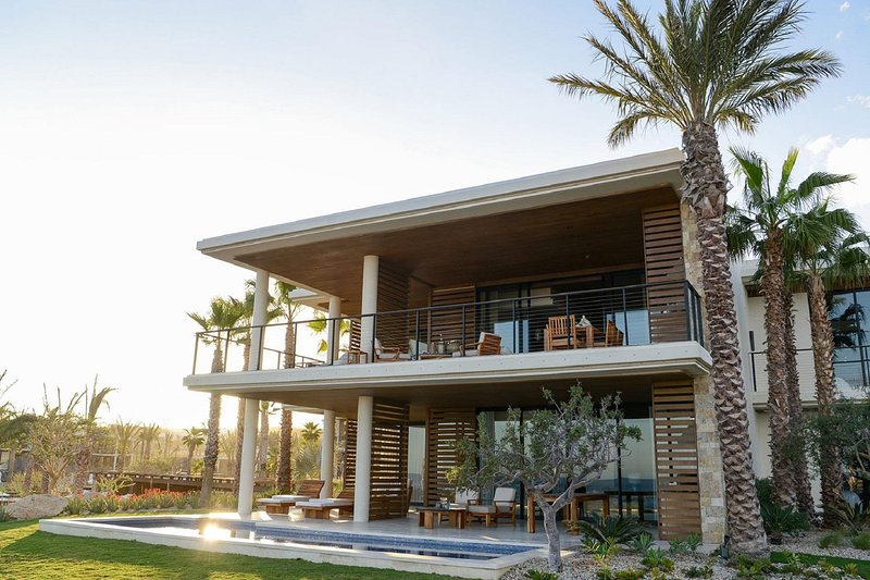 Tropical Ocean Front Villa w/ Panoramic Views, Pool Access, Grill & Fitness Gym, holiday rental in El Zacatal